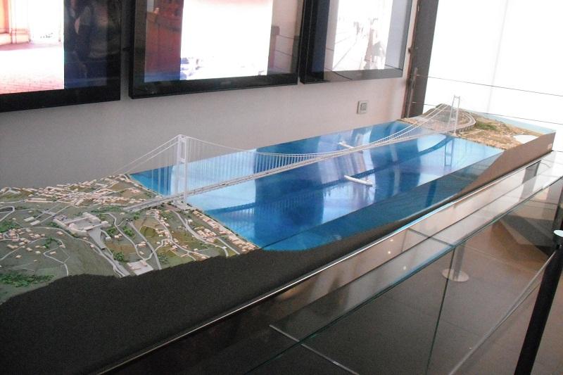 Modellino del Ponte sullo Stretto di Messina - Padiglione Italiano Expo 2010